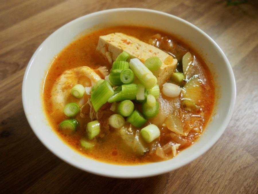 Kimchi-Tofukeitto eli SundubuJjigae